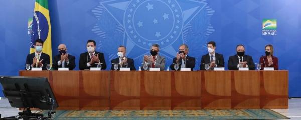 Bolsonaro sanciona lei do novo Marco Legal do Saneamento Básico