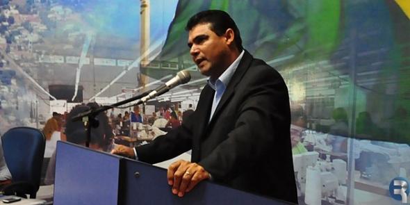 Vereador Jonas Rodrigues solicitou conclusão de meios fios no bairro Jandaia