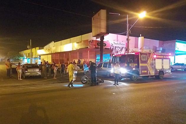 Cruzamento da Avenida Dorvalino dos Santos com a Rua Pernambuco é cenário de outro acidente envolvendo carro e moto