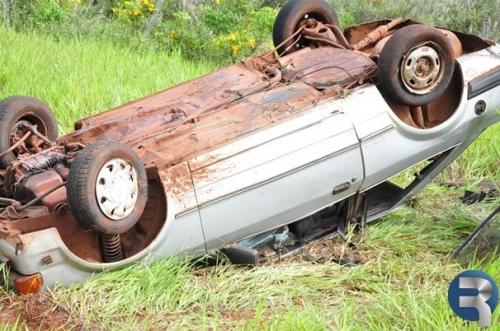 Scort capota e deixa 5 feridos na MS 162, em Sidrolândia