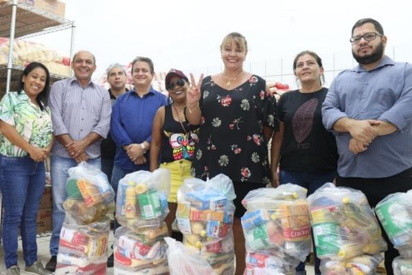 Com suspensão das aulas, prefeito determina distribuição de cestas básicas para famílias carentes