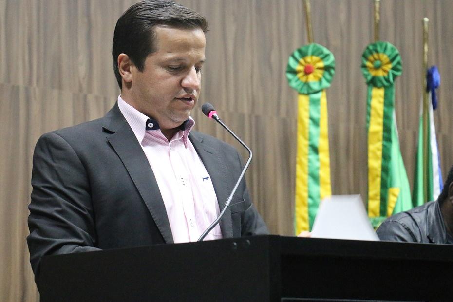 Carlos Henrique articula e Câmara aprova empréstimo de R$ 13,1 para drenagem e asfalto