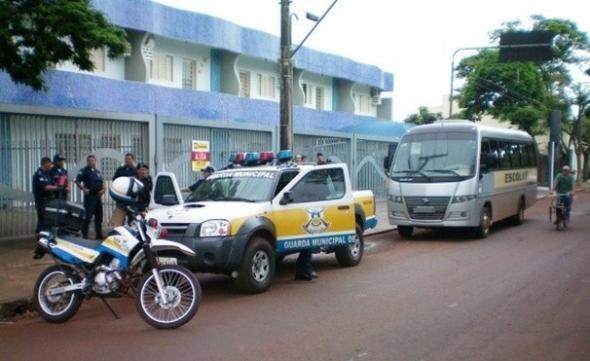 Van irregular é apreendida na 1ª fiscalização do tranporte escolar em Dourados