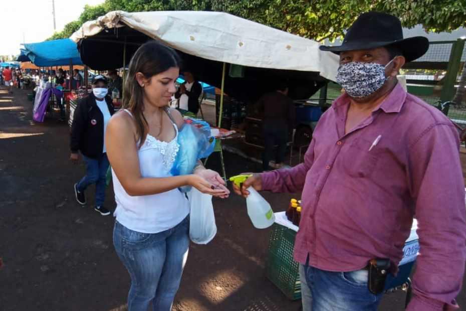 Coronavírus reduz movimento da feira em 40% e obriga famílias a sobreviver com R$ 600,00