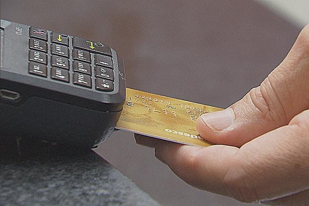 1 em cada 4 usuários de cartão entrou no crédito rotativo, diz pesquisa