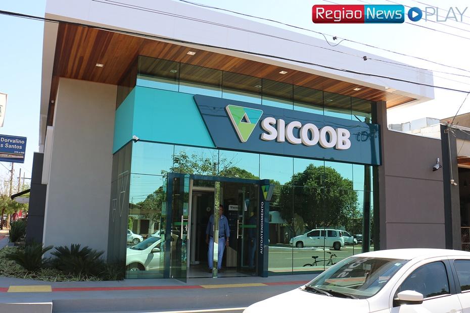 Sidrolândia passa a contar na Dorvalino dos Santos, com o Sicoob, um novo conceito em banco