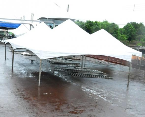 Carnaval Sidro 2011 deverá ser de chuva e estrutura começa a ser montada