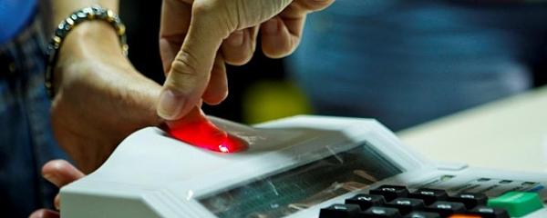 TSE, políticos e especialistas em saúde discutem adiar eleição e não usar biometria