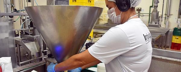 Indústria laticínia reajusta preço do leite em 18% no Estado devido à pandemia