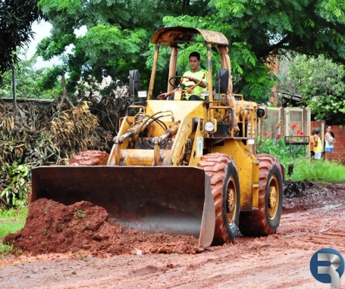 Após enxurrada invadir casas, Prefeitura ameniza problema de alagamento