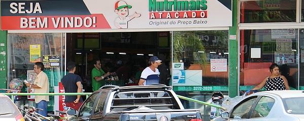 Supermercados descartam desabastecimento e pedem calma à população