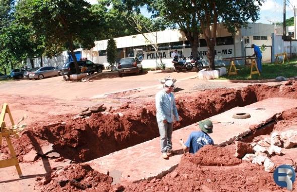 Secretaria de Obras intensifica trabalhos em Ivinhema