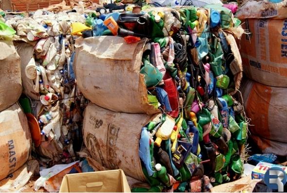 Glória de Dourados: Bióloga diz que reciclagem é uma necessidade