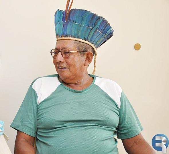 Vereadores homenageiam indígena com Moção de Congratulação