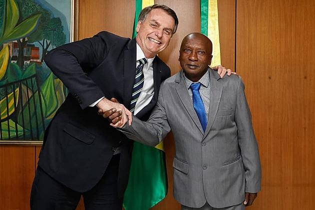 Presidente Jair Bolsonaro recebe morador de Bataguassu em seu gabinete