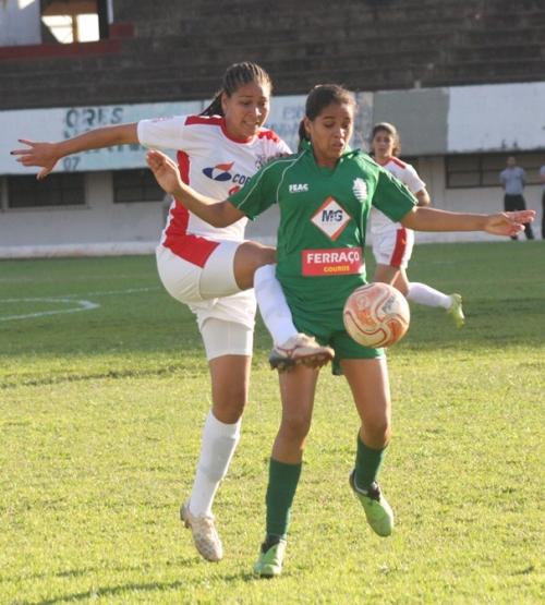 Comercial realiza 2ª Peneirada de futebol feminino