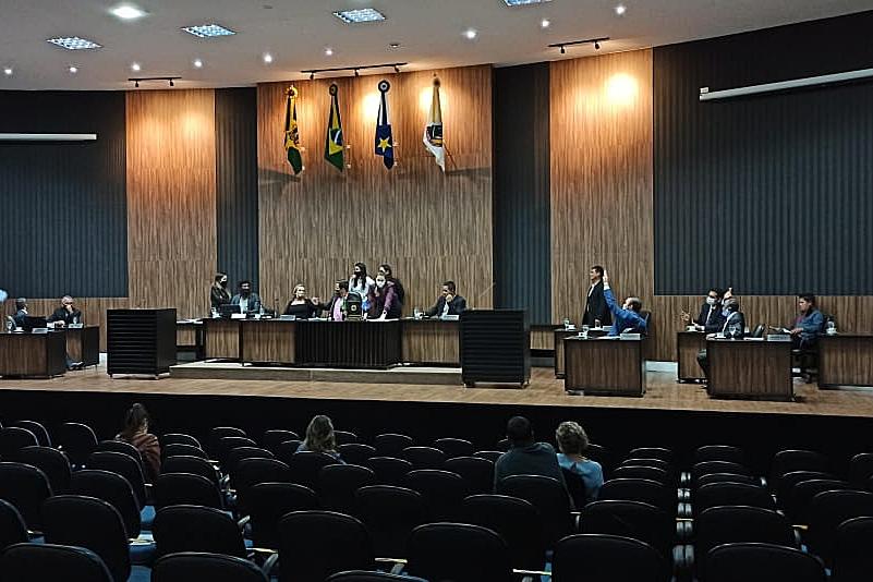 Trapalhada da Mesa quase posterga votação do Avançar Cidades, mas governo derrota e arquiva requerimento que adiava votação