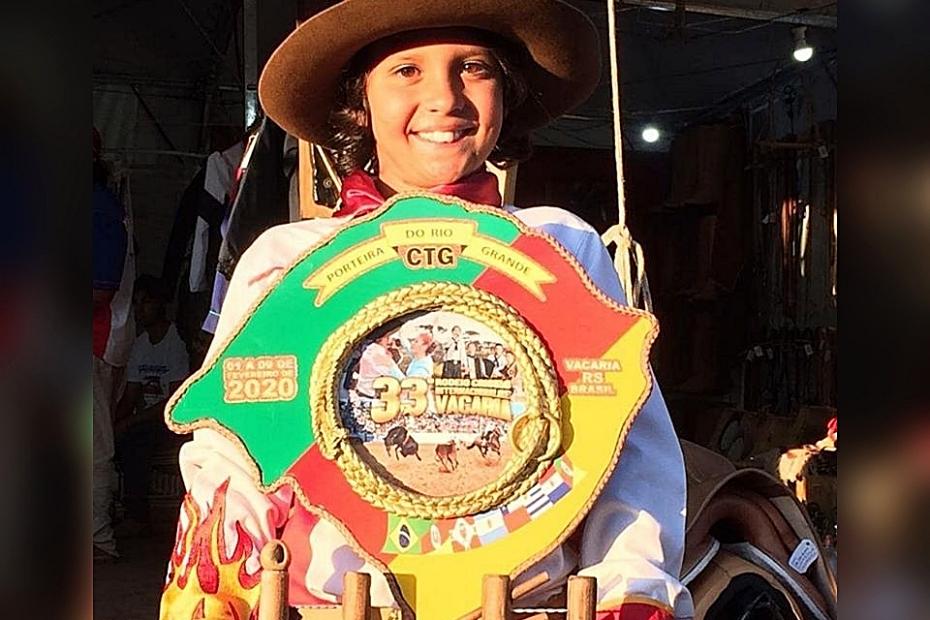 Alcindinho Neto é campeão na categoria Laço Piazito do 33º Rodeio Internacional de Vacaria/RS