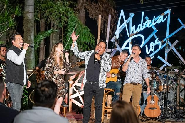 Cantora Andreia Rios lança música no estilo sofrência com o trio Os Filhos de Campo Grande