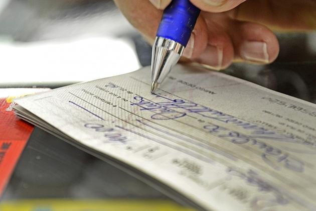 Governo limita juros do cheque especial em 8% ao mês
