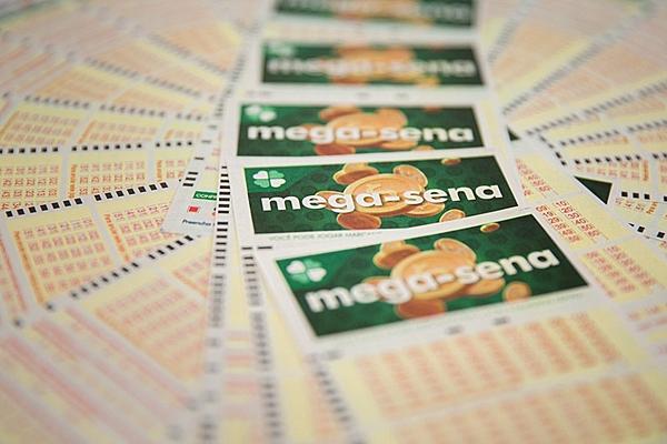 Mega-Sena pode pagar prêmio estimado em R$ 2,5 milhões neste sábado