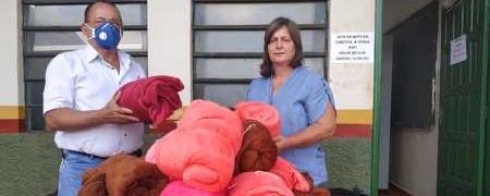 Assistência Social entrega 140 cobertores para entidades não governamentais