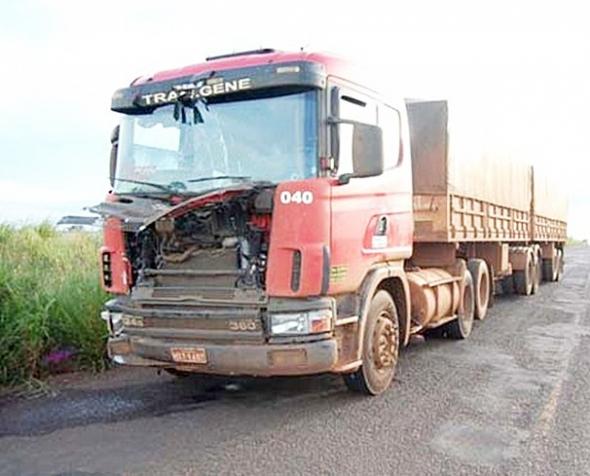 Motorista de caminhão foge após colisão na MS-276 em Batayporã