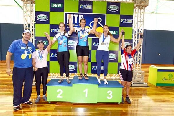 Definidos os campeões da prova de mountain bike indoor do Pedala Sesi