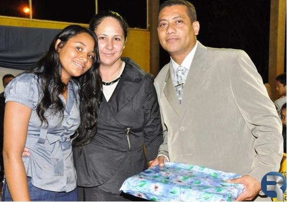 Comunidade do Capão Bonito I comemora aniversário de Pastor Oscalino