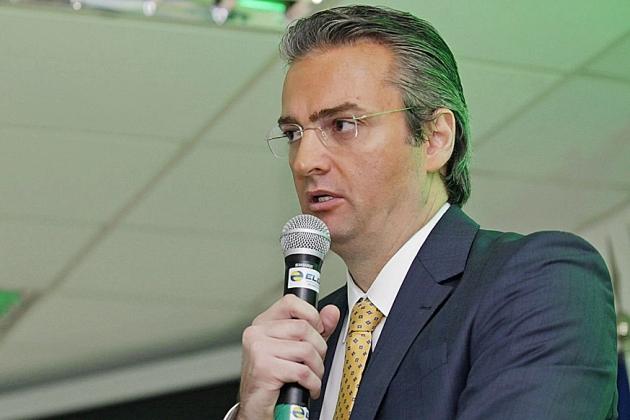 Bolsonaro nomeia delegado Rolando de Souza para comando da Polícia Federal