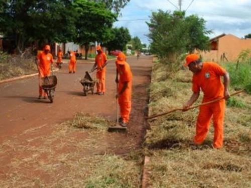 Prefeitura avisa: quem não limpar terrenos baldios será multado