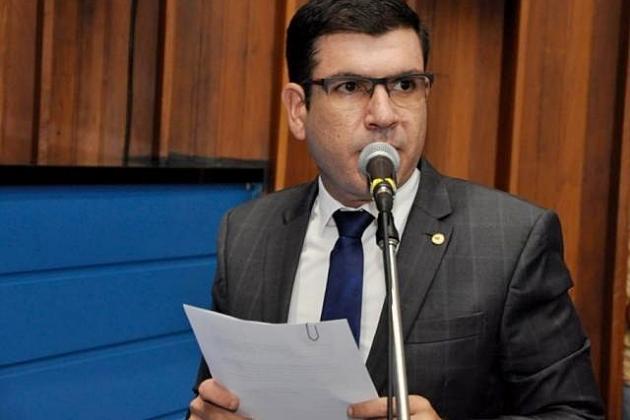 Deputado apresenta projeto para incluir Libras na grade do Ensino Médio