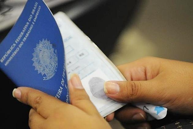 Brasil cria 173 mil empregos formais no melhor resultado para fevereiro em cinco anos