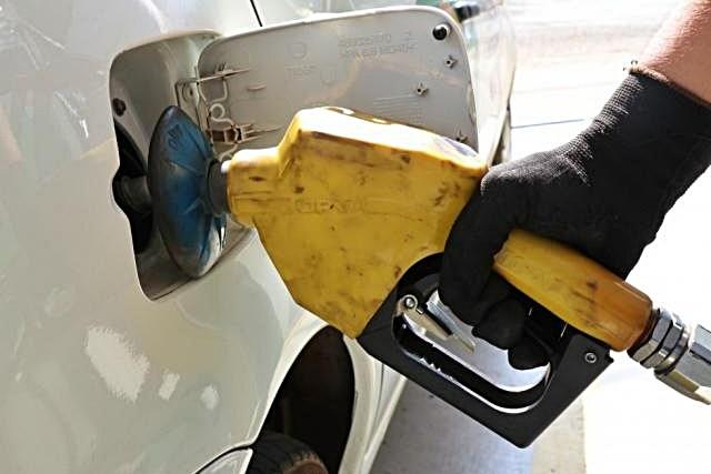 Gasolina acumula alta de 1,7% e chega a R$ 4,76 em postos de MS