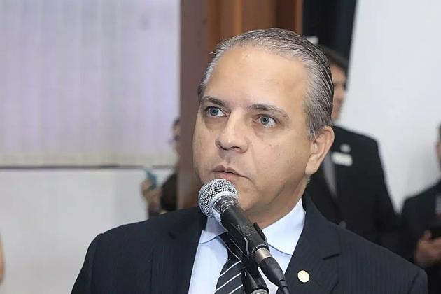 Deputado é internado com covid, o 3º caso entre parlamentares