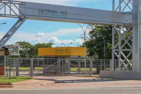 Detran-MS retoma atividades dia 13, mas alerta para a utilização de meios digitais contra aglomerações