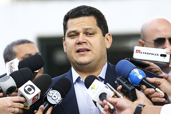 Alcolumbre defende aprovação do PL do Fundo Partidário no Senado