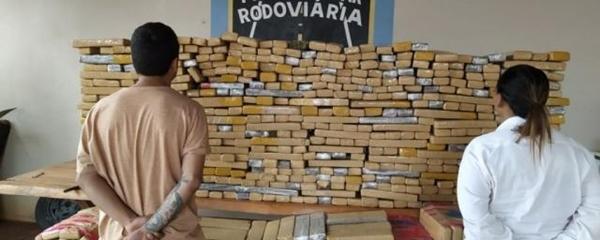 Casal residente em Sidrolândia levava 646,4 kg de maconha no porta-malas do carro