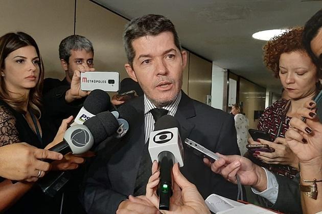 Líder do PSL afirma que Bolsonaro atua para retirá-lo de comando do diretório do partido em Goiás