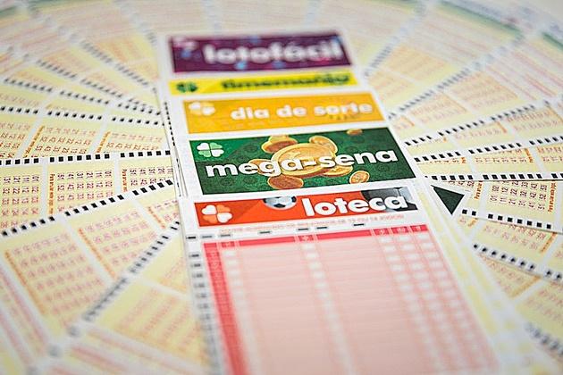 Prêmio da Mega-Sena acumulado em R$ 125 milhões é o 18º maior da história; sorteio será nesta quinta