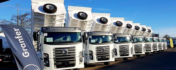 Prefeitura recebe no sábado 8 caminhões basculantes para manutenção de estradas
