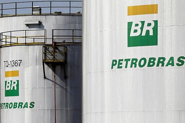 Petrobras anuncia alta de 5% para gasolina nas refinarias a partir de quarta-feira
