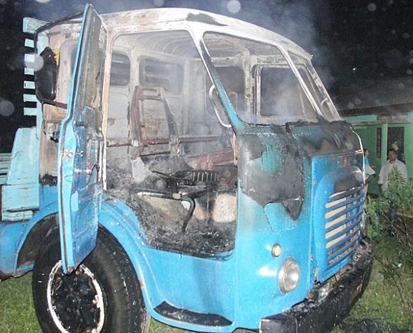 Caminhão é incendiado por Homem não identificado em Paranhos