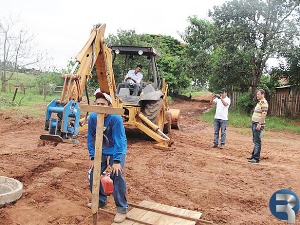 Vereador Donizete visita obras do PAC em Paranhos