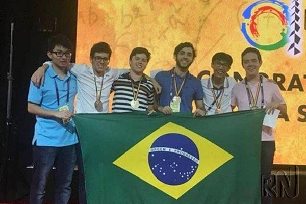 Brasileiro conquista medalha de ouro na Olimpíada Internacional de Matemática