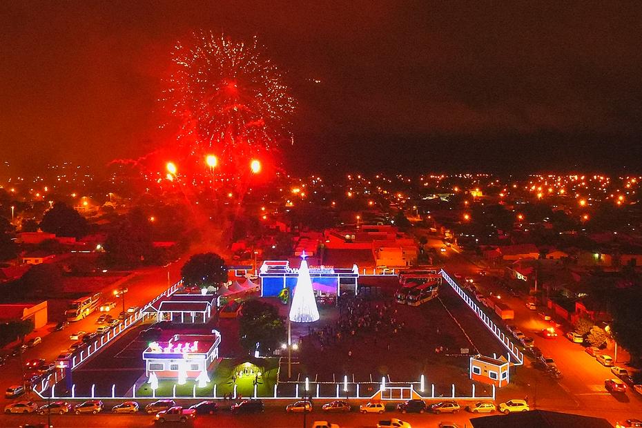 Fim de semana tem 'Natal de Luz do Vacaria', exposição de carros antigos e galeto no rolete