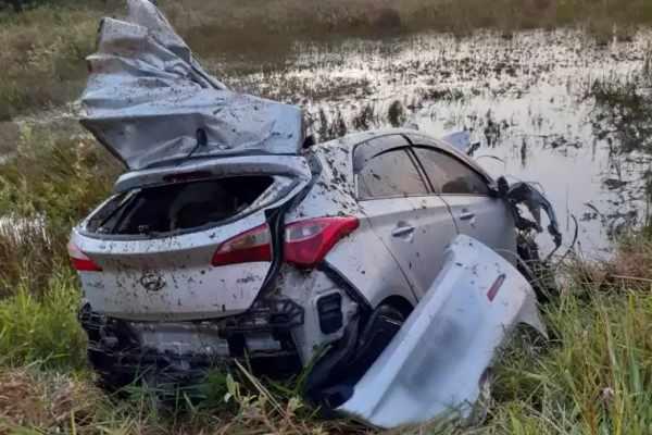 Passageiro fica em estado grave após carro atingir cavalo em rodovia