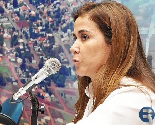 Vereadora Rosangêla articula parceria para nova sinalização em rotatória
