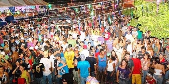 Carnaval começa em Sidrolândia em três locais