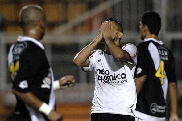 Ponte Preta repete 2010 e acaba com a invencibilidade do Corinthians